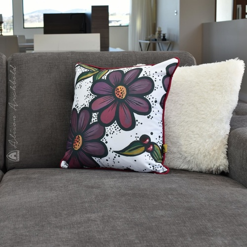 Cushion Gardens Purple Daisy